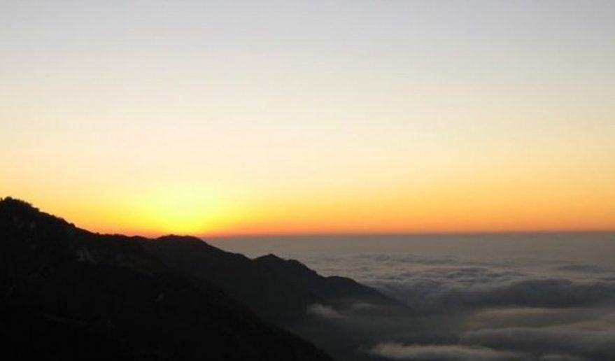 Dhaulagiri Circuit Trek | sunset view from Hidden Valley