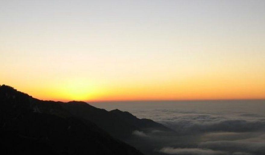 Dhaulagiri Circuit Trek | sunset view from Hidden Valley