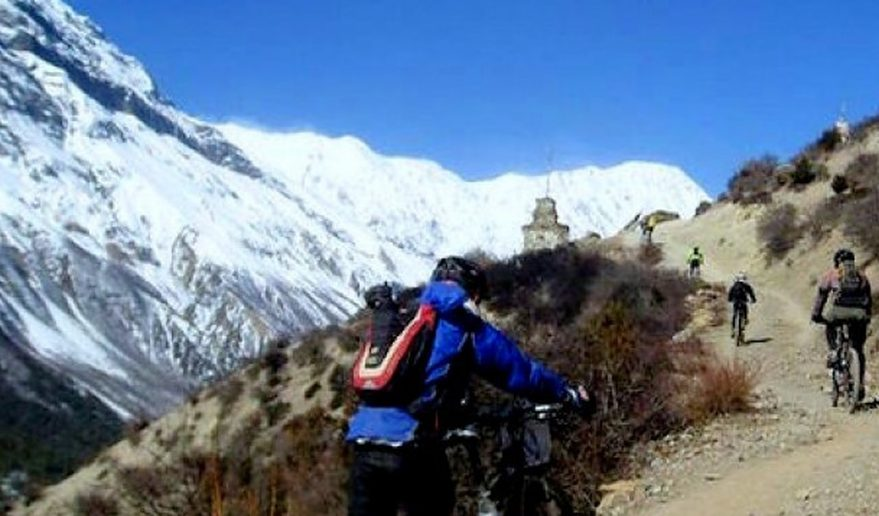 Annapurna Circuit Biking Tour.