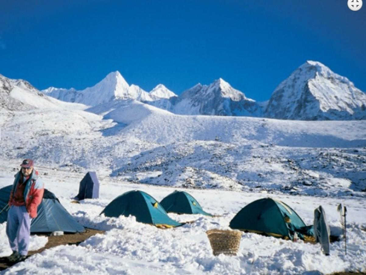 Makalu Trek with Sherpani Col | Camping set - up in the lap of Mountain ranges