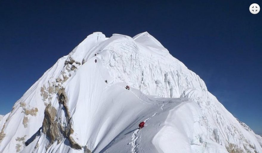 Climbing Mt Baruntse 7129m