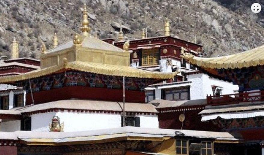 Derpung Monastery Tibet Kharta Valley Trek.