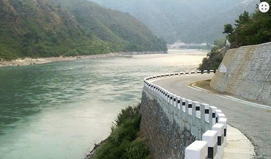 Dumja Highway along Sunkoshi River.