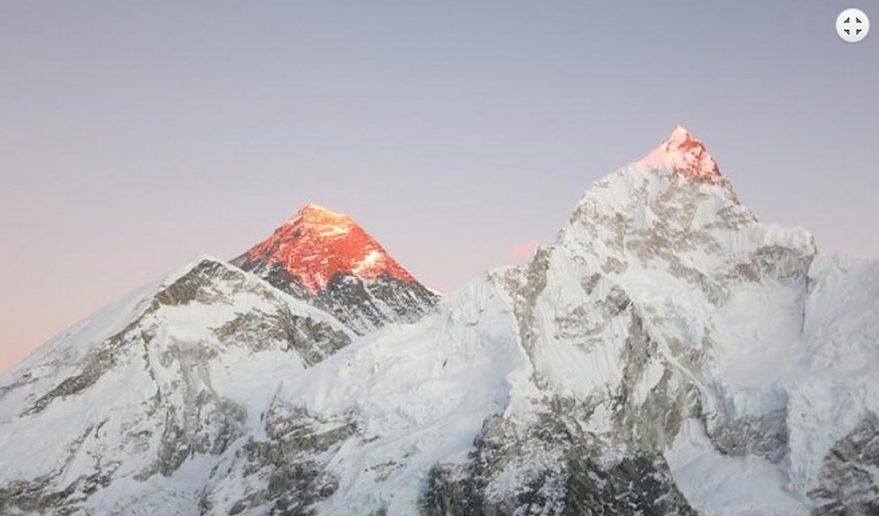 Everest Base Camp Helicopter Tour   Mt. Everest 8848m.