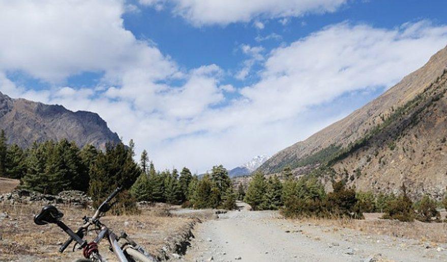 Nepal Annapurna Circuit Mountain Biking.