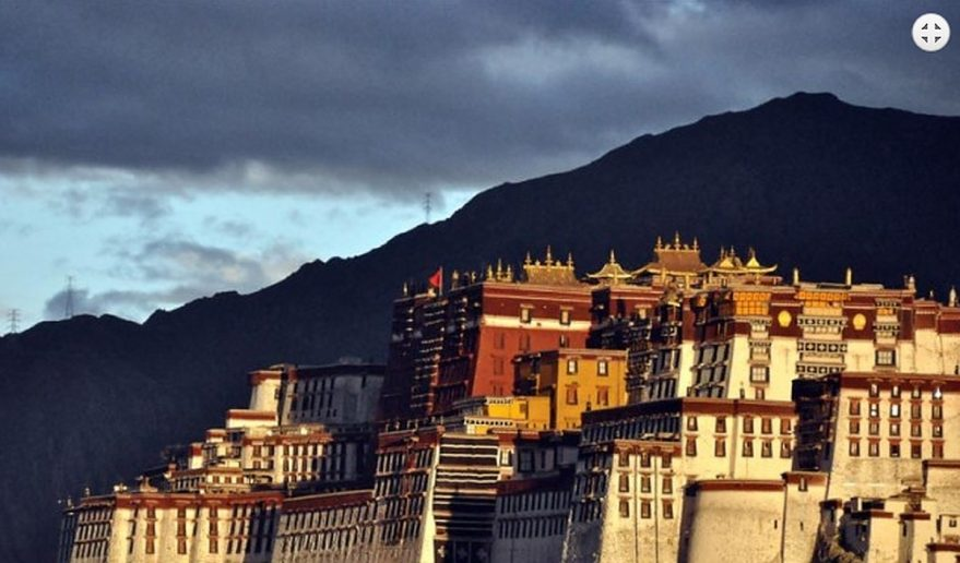 Popular Tour of Tibet | Potala Palace Lhasa.