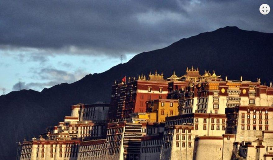 Popular Tour of Tibet | Potala Palace Lhasa.