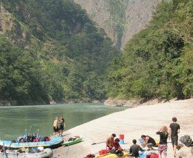 River site beach - Tamur River.