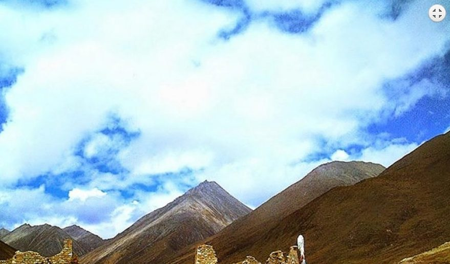 Scenery during Lhamo Latso Trek.