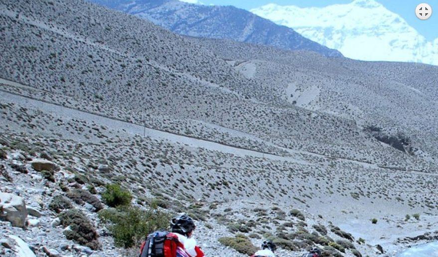 Travelers Riding for Lhasa EBC Biking Tour.