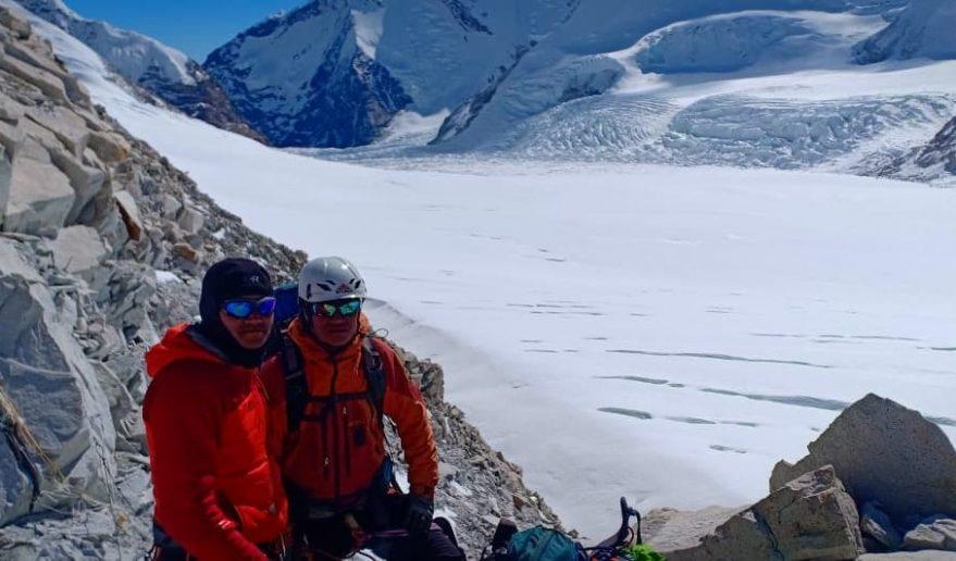 Two Peaks Climbing   Amphu Lapcha Pass 5,845 metres (19,177 ft)
