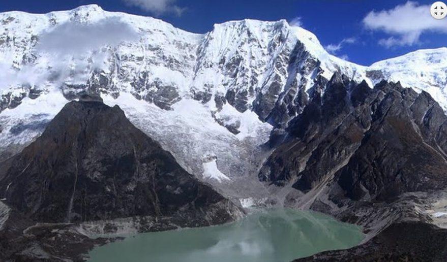 splendid view of Himalaya during snowman trek.